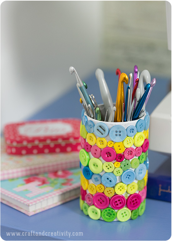 Button covered crochet hook holder - by Craft & Creativity