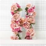 Pappbokstäver med blommor - av Craft & Creativity