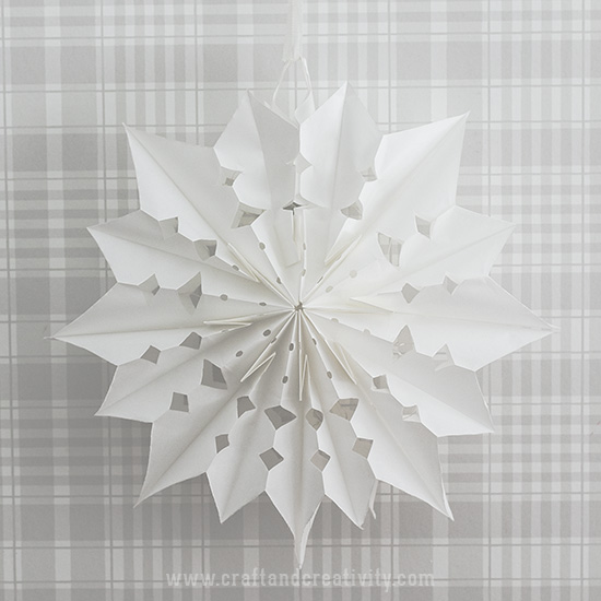 Paper bag Christmas stars - by Craft & Creativity